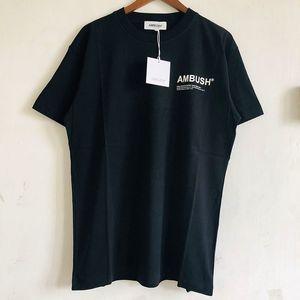 La meilleure qualité EMBUSCADE T-shirt Homme Femme Couple Lovers Ambush T-shirts d'été de style coton Ambush Top T-shirts T200401