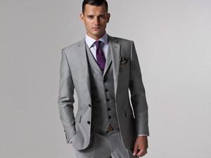 New Handsome Side Vent cinza claro Noivo Smoking Padrinhos Notch Lapela Melhor Homem Terno de Casamento dos homens Blazer Ternos (Jacket + Pants + colete + Gravata) XF210