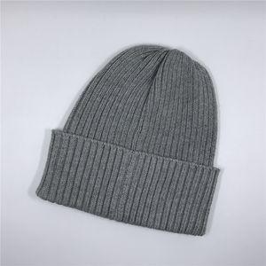 Trendy maschile e femminile lavorato a maglia cappello di modo semplice tenere in caldo Cap ragazzi delle ragazze di marea Hip hop Via Cappelli 5 colori