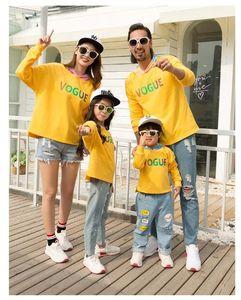 2019 Новое прибытие семьи Matching Эпикировка красочные осенние повседневная одежда желтый и джинсы Удобные