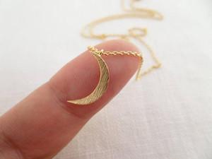 Crescent Moon collana d'argento piccolo oro o gioielli in oro rosa Luna Dainty e delicato di compleanno regalo di nozze della damigella d'onore YLQ0648