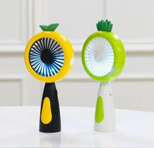 Frutta Fan Handheld Ananas del fumetto USB ricaricabile Mini ventilatore creativo con luce notturna LED Fans portatile tenuto in mano per l'estate LSK03
