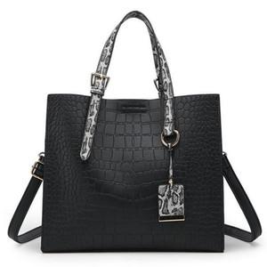 Bags summer new handbags handbags Europe and the United States fashion crocodile pattern shoulder slung killer bag