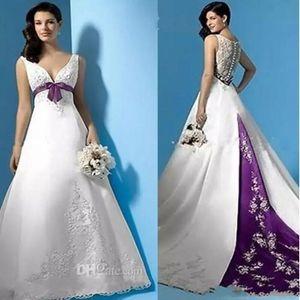 Плюс Размер Белые и фиолетовые свадебные платья Line империи талии V-образным вырезом бисером Аппликации атласная развертки поезд свадебное платье на заказ