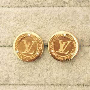 2020 Лучшие качества Экстравагантные серьги цвета золота нержавеющей стали V Stamp серьги Золото Серебро уха Шпильки для женщин Свадьба Ювелирные изделия