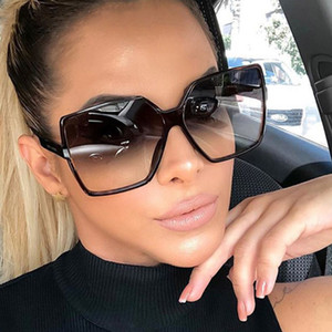 Vintage Güneş Kadınlar Güneş Plastik'in güneş gözlüğü Düşük fiyat Yüksek kaliteli bayan için Büyük Kare çerçeve gözlük gözlük