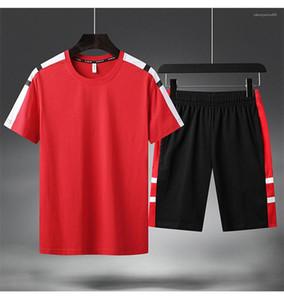 Baskı Erkek Spor Takımları Moda Yaz Kısa Kollu Giyim Erkek Kasetli Tracksuits Mürettebat Boyun Şort Striped Running