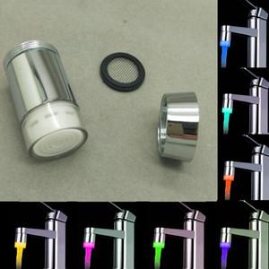 LED-Hahn-Temperatursensor Küche LED-Licht Wasserhahn-Hahnköpfe RGB-Glühen-Dusche-Stream Badezimmer 3-Farben-Änderungs-Tropfen-Schiff