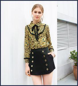 2019 New Spring Summer Stampa Leopard Paneled Bow Shirt e per le donne Fashion Short Skirts 2 pezzi Set 122104