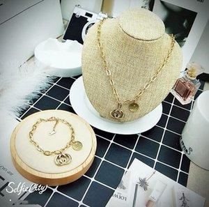 Collier de carte rouge de réseau de vente chaude Japon et la Corée du Sud sauvage bracelet à chaîne courte ensemble accessoires accessoires de mode vivent bijoux f