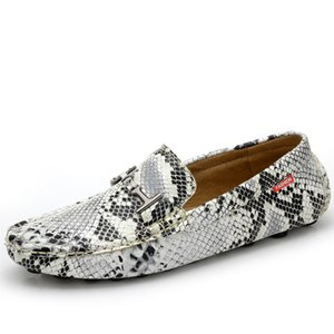 Snake Skin Buckle Men Loafers Genuine Leather Shoes Fashion Man Driving Shoes Soft Moccasins Comfortable Boat Shoes Handmade