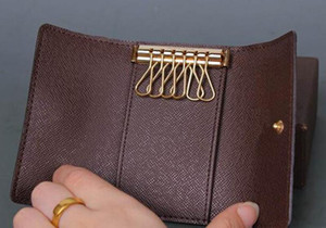 Designer-originale lusso box multicolore breve portafoglio sei donne chiave del supporto classico portachiavi tasca con cerniera uomini trasporto libero 62630
