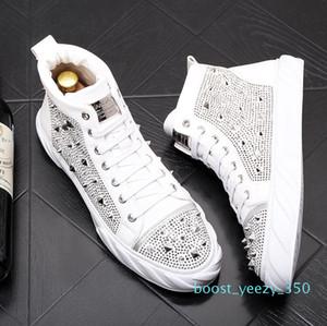 Luxury men rivets sneakers fashion trend rivets Men shoes punk spikes designer sneakers men Casual shoes zapatillas hombre b35