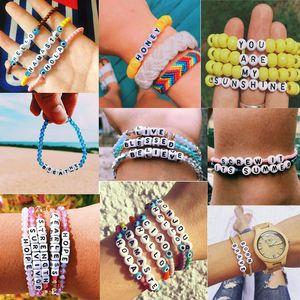 Kreative DIY Handgefertigte String Perlen Armbänder Charme Frauen Männer Letters Korn-Armband Stretch Elastic Freundschaftsarmband Fußkettchenschmucksachen Geschenke