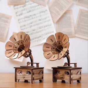 Creative Gramophone Music Box Re tro Music Box Wedding Home Decoration Wood Crafts Birthday Gift for Girl Kid