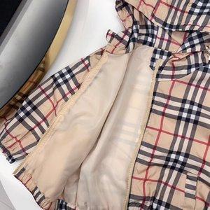 두건을 가진 아주 대중적인 아이 소년 옷 봄 격자 무늬 아이 소년 재킷