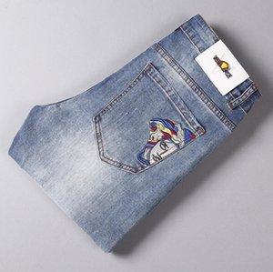 Versace di alta qualità 2020 di modo degli uomini della molla del nuovo ricamo classico Slim Etero jeans Trend Retro Black Blue Man stretto per il tempo libero Pantaloni