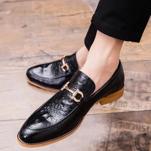 2019 Pointed Toe Mens Dress Shoes Business Leather  Wedding Loafer Floral Print Men Flats Office Party Formal Shoes