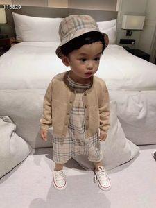 Los nuevos bebés de los mamelucos del verano resorte de la manera de las muchachas monos con sombrero de cubo y el bebé recién nacido trajes ropa del bebé fija chaqueta de punto