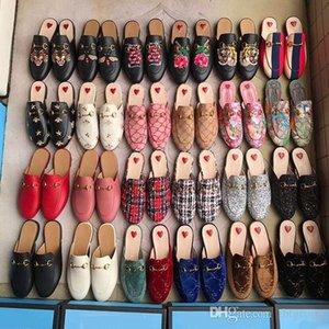 pantofole progettista cuoio genuino delle donne scarpe Mules Mules piano Catena del metallo dei pattini casuali fannulloni modo esterno dei pistoni dei pattini di estate delle signore
