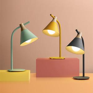 Lámpara de dormitorio minimalista nórdica lámpara de mesita de noche moderna creativa protección para los ojos aprendizaje lámpara de mesa macaron 90-260V