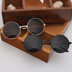 Atacado Retro redonda de metal óculos de sol baratos Marca Designer Driving Sun Glases para Mulher e homem Lighter