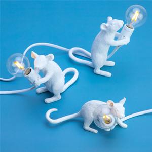 Nordic resina Ratto Topo Lampada da tavolo a LED lampada moderna Piccolo Mini oro mouse sveglio LED Desk Lamp Home Decor Banco Lights 110V-240V Night Lights