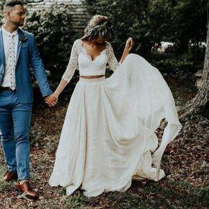 Modest Dos Piezas boda vestidos de encaje con cuello en V manga larga de 3/4 de Bohemia Vestidos de novia botones Back Country más el tamaño de Robe de mariée