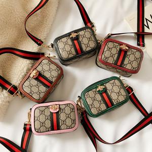 2020 Çocuk Çantalar En Yeni Kore Kızlar Mini Prenses Cüzdanlar Moda Arı Tek Omuz Kare Çanta Çocuk Para Çanta Yılbaşı Hediyeleri
