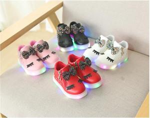 ربيع الخريف متوهجة الفتيات أحذية رياضية سلة أدى الأطفال الإضاءة أحذية بنين الأزياء الرقص مضيئة شقة الحجم 21-30