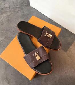 Lock It de cuir mule plat des femmes pour les femmes Sliders pantoufles sandales d'été Padlock flip plat Flops 22 couleurs US 4-11