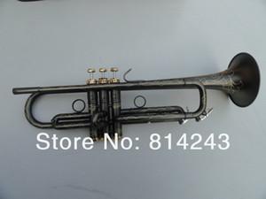 새로운 도착 Unbranded 독특한 매트 블랙 니켈 도금 표면 황동 Bb의 트럼펫 악기 절묘한 개척 패턴 Bb의 트럼펫