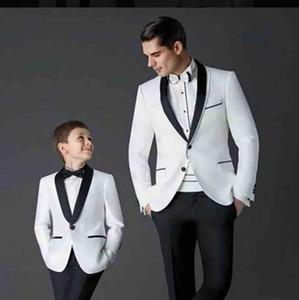 Yakışıklı Erkekler Beyaz Smokin Çocuklar Yemeği Düğün Ceket + Pantolon için Çocuk Tuxedo için 2 adet Siyah Şal Yaka Örgün Suit Smokin Takımları