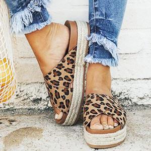 WENYUJH falhanços Feminino Slides Leopard Wedge Plataforma Salto Alto Mulheres Chinelos Comfort praia do verão das senhoras calçados casuais 43