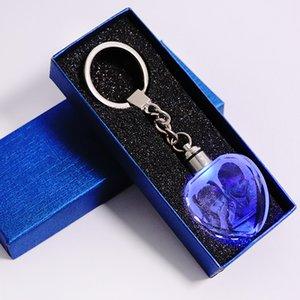 Nouveau cristal coloré porte-clé LED Lumière photo Keychain mode Luminated Porte en forme de coeur en verre Image bébé souvenir cadeaux fournitures