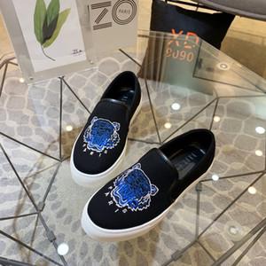 Los nuevos Mens del Designersneakers Brandslipper Beach zapatos del barco tigre chancletas de los niños de lujo corte 88 MENS Designershoes casuales con caja 20030507T