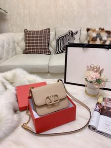 Schöne 02 2020 neueste Ankunfts-Frauen-Geldbeutel-ursprünglicher Entwurf Frauen-Schultertasche Stilvolle kleine Tasche JDT6230 Größe 19 * 14cm