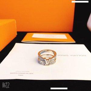 Top projeto luxuoso Carta Anel design requintado anel inteligente Diamante Sparkling Anel Anéis Moda Acessórios de Alimentação