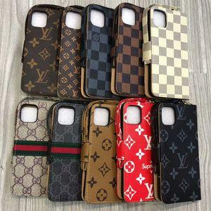 cassa del raccoglitore del progettista delle casse del telefono in pelle per iPhone Pro 11 Max X XS XR 8 7 6 Coperchio 6S Plus per Galaxy S10 S9 S8 Nota 9 10 Stand titolare della carta