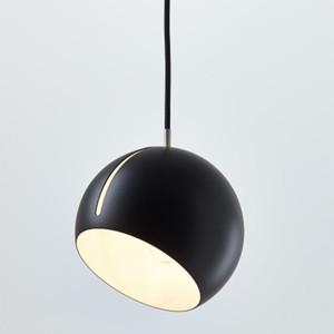 Nordic Tilt LED Sphère réglable Globe Suspendu Noir Blanc Painted nuit droplight Pendant Light Bar Lobby Chambre à coucher