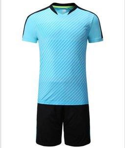 vestito il calcio è un formazione uniforme incontro a squadre su misura per gli studenti delle scuole elementari e medie