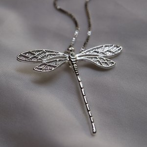 1pc Fashion golden or silver dragonfly sweater chain for women Exquisite animals pendant necklace for girls