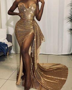 Aso Ebi Sequins dell'oro sera vestiti da partito senza bretelle sexy del 2020 Sparkly alta fessura Mermaid africana Occasioni Prom abito Reception