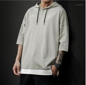 Размер Tshirts летний дизайнер с капюшоном образным вырезом с коротким рукавом сплошной цвет толстовки Homme вскользь Street Style Tshirt тинейджеров Щитовые Plus