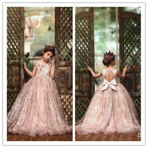 2020 Luxe Little Princess filles Pageant robes en dentelle florale Appliqued Perles 3D Jewel Neck Lace Flower Girl Dress Party Robes de mariée