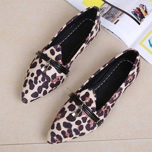 Frauen Leopard flache Schuhe Spitze Zehe-Schnalle Weibliche Flock Loafers Fashion Boote Slip-on-Dame-Ebenen Bequeme Freizeit Schuhe