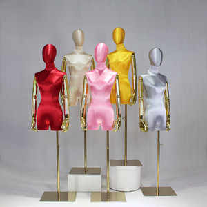Model Props Weibliche Hälfte Länge High End Silk Satin Gold Arm Mannequin Brautkleid Display Rack Window Display-Plattform