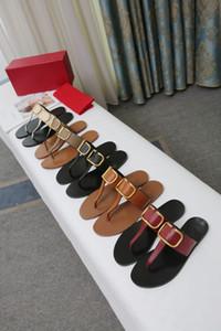 Procurar semelhante 40 Homens Mulheres Sandálias Designer Shoes Deslize Summer Fashion Ampla Plano Slippery Com Thick Sandals Slipper falhanço de aleta e caixa