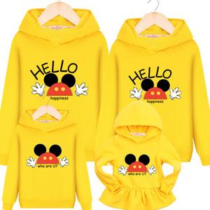 Family Matching Outfits 2019 Nouveau Sweat À Capuche Maman Et Fille Dress Kid Chandails De Noël Famille Vêtements De Noël Mickey Y190523