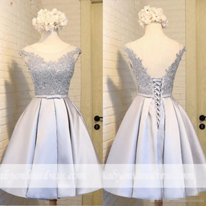 2018 barato Sheer Apliques Mini cucharada de cocktail vestidos sin espalda con cordones de la princesa Vestidos de Fiesta más el tamaño por encargo Vestidos